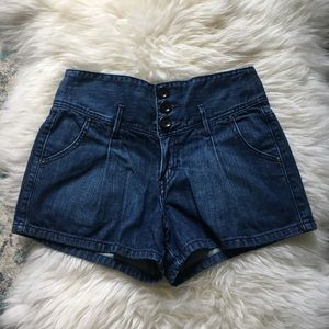 Levi's | high waisted pleated jean shorts | 4